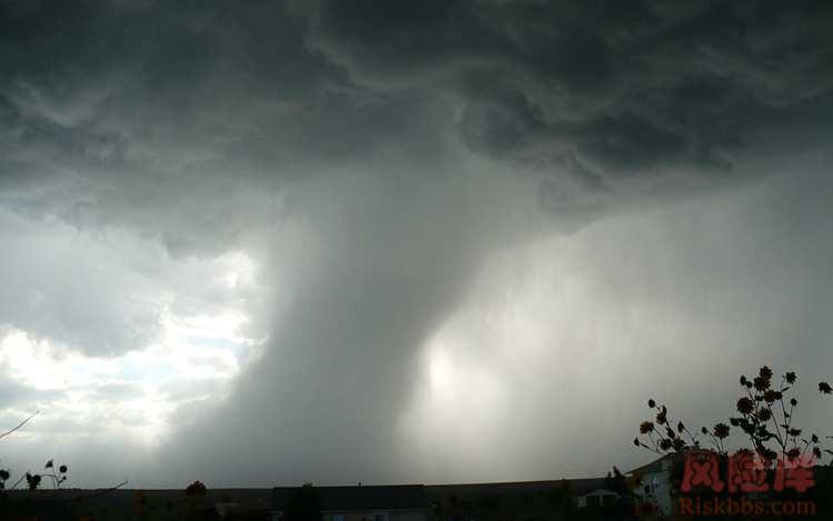 龙卷风图解及其风险防御